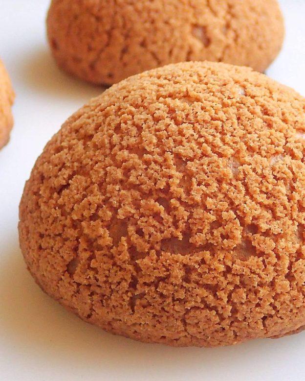 Cream Puffs with Craqueline